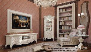 Set Ruang TV Keluarga Nuansa Klasik Ukir Jepara